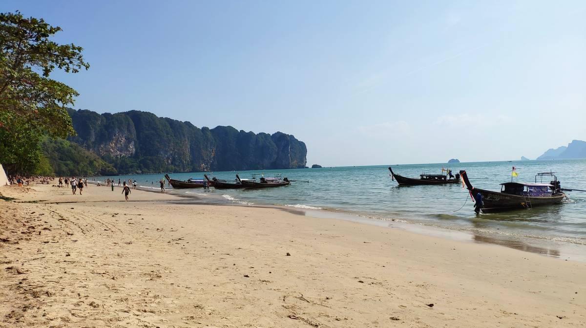 alojamiento playa de ao nang