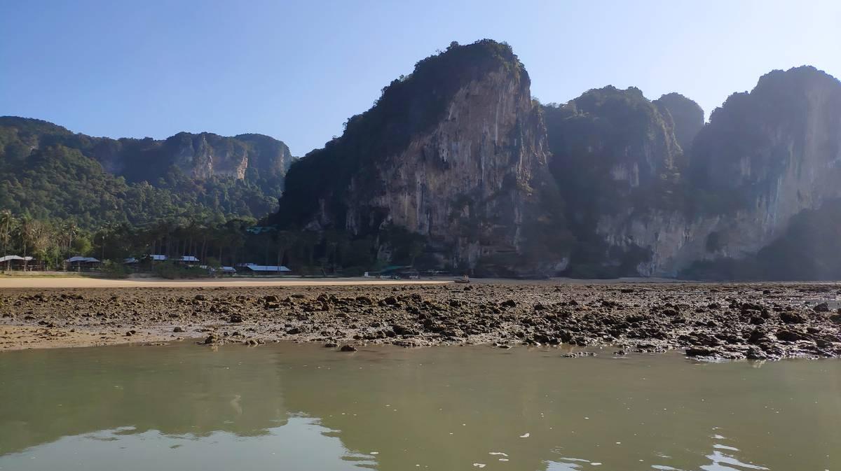 alojamiento playa de tonsai
