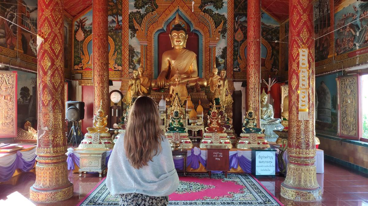 como vestir templos budistas