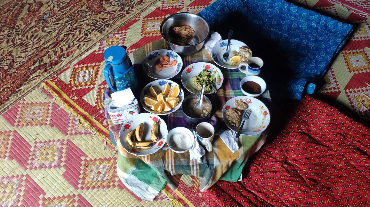 Desayuno típico birmano