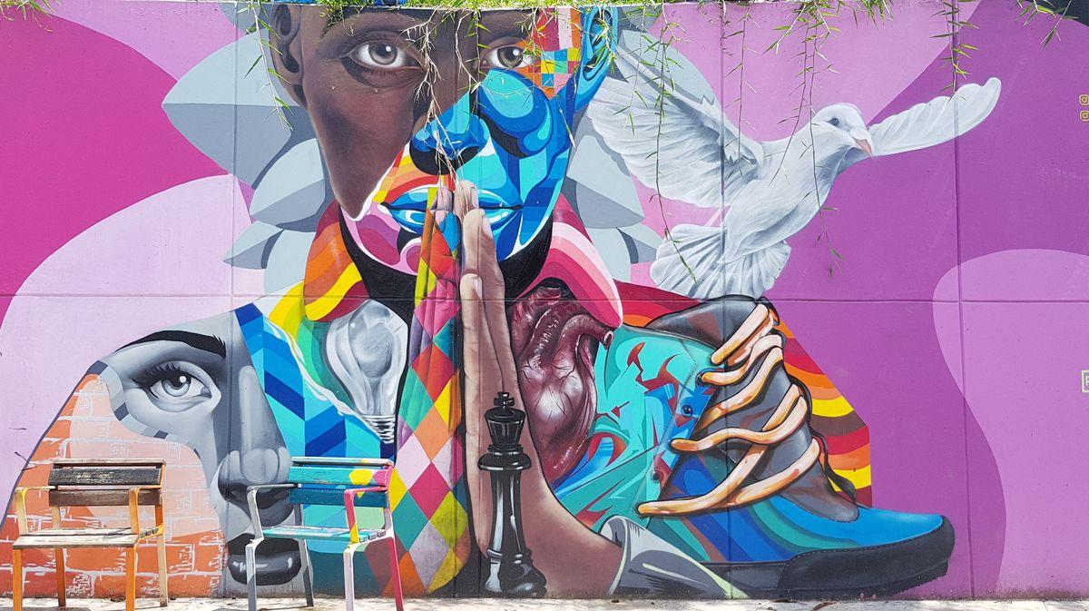 graffiti que simboliza el proceso de paz en medellin