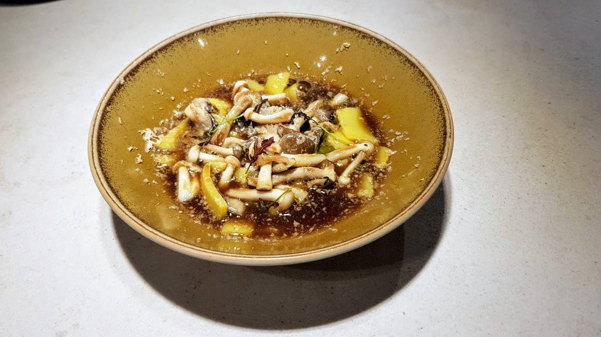 ḦETTA Cuisine - Yolk Noodles