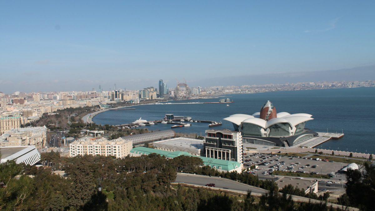 Paseo Marítimo de Bakú desde el Mirador de Highland Park