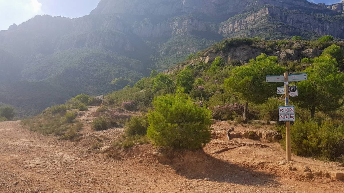 Ruta hacia Montserrat