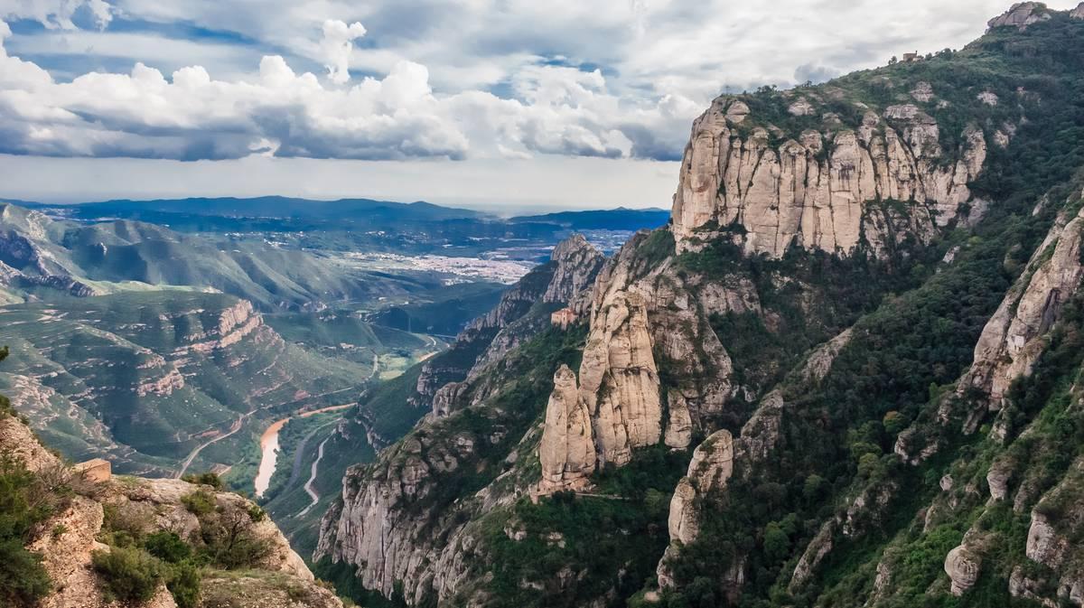 Vistas del valle desde Montserrat