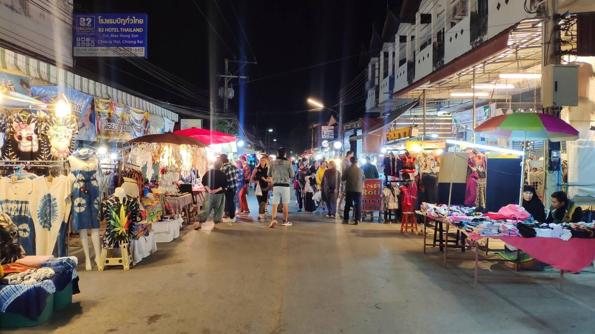 pai-night-market