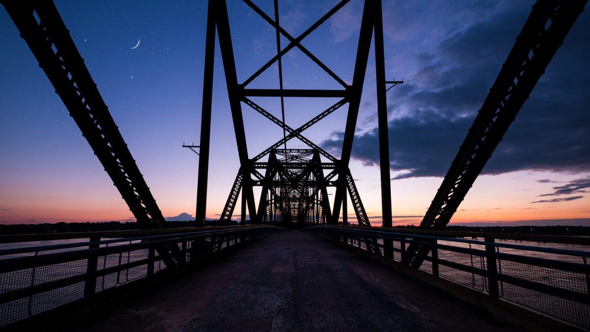 Puente Chain of Rocks, tramo de la mítica Ruta 66 a su paso por Saint Louis