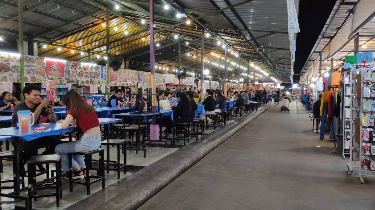 students night market