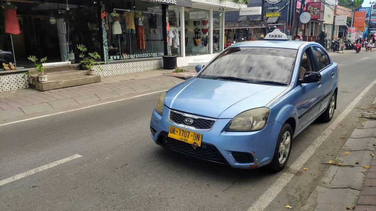 taxi bluebird bali