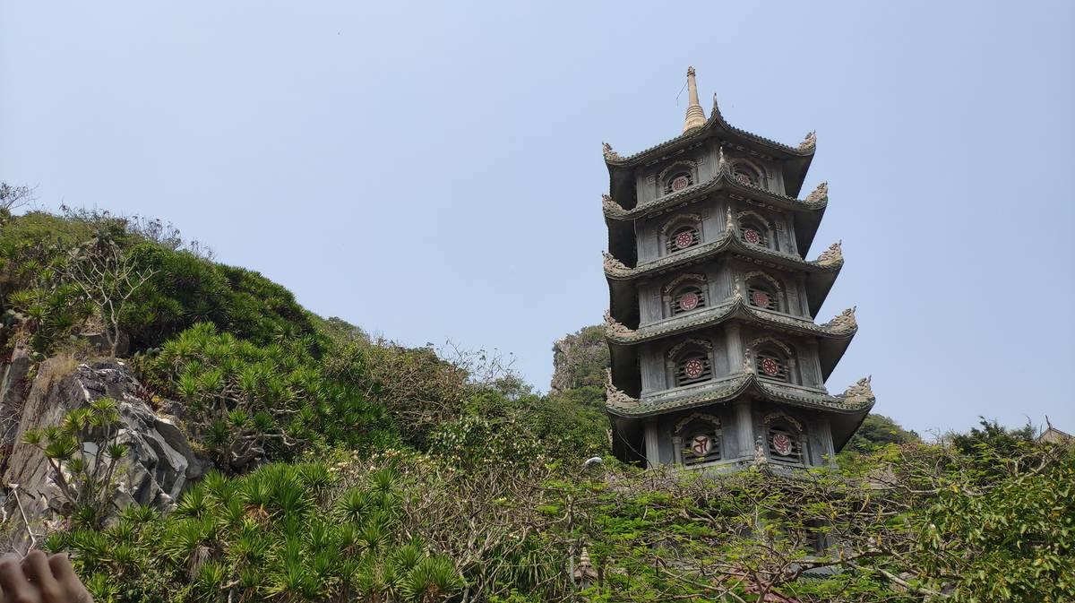 torre xa loi marble mountains