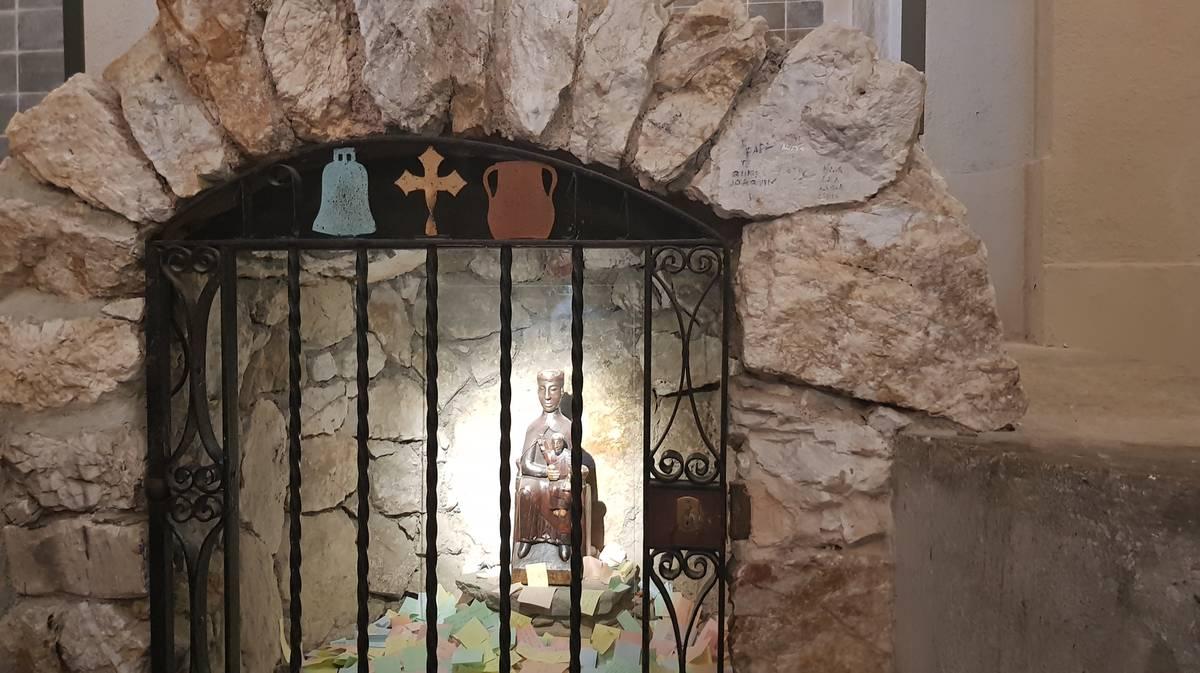 vall de nuria interior de la ermita de San Gil