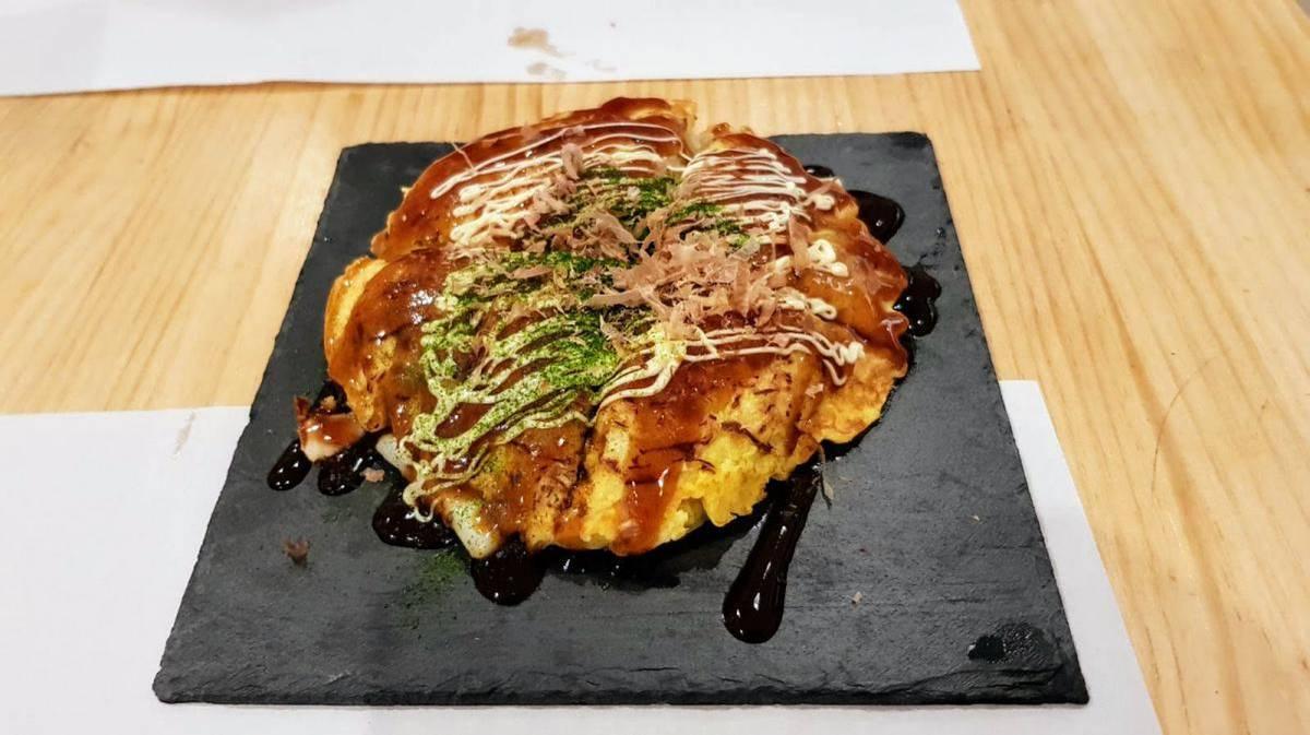Yatai - Okonomiyaki con gambas y calamares