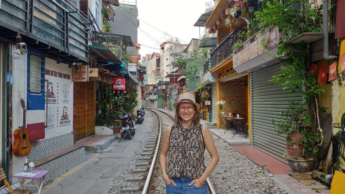 Calle del tren en Hanoi