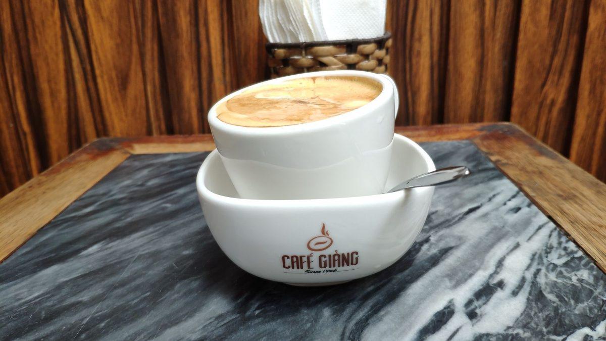 Egg Coffee en Café Giàng.