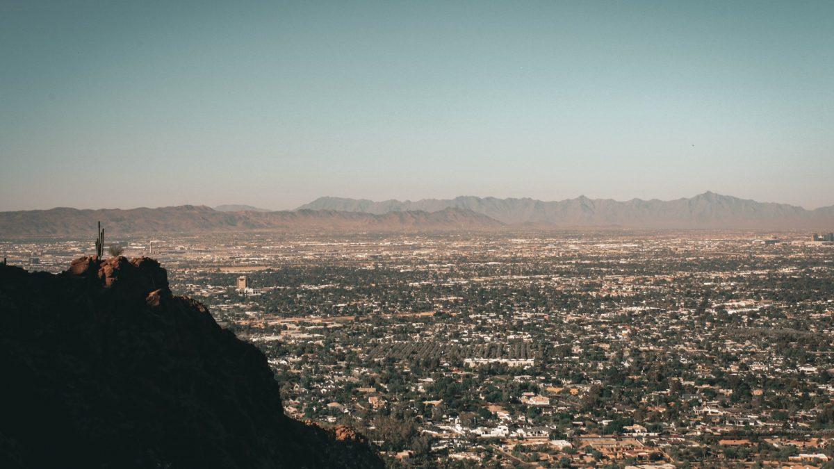 Vista de la ciudad de Phoenix desde Camelback Mountain