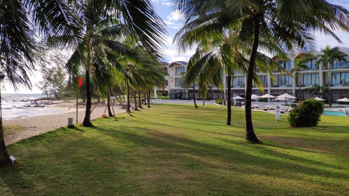 Piscina-playa The Shells Resort and Spa