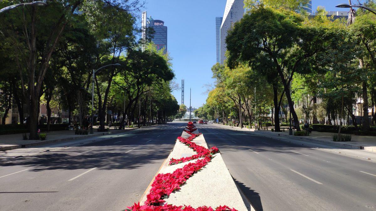Paseo de la Reforma a su paso entre la Colonia Juárez y Colonia Cuauthémoc.