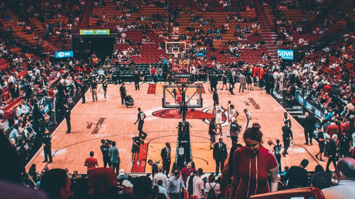 Partido de baloncesto de los Miami Heat en el estadio American Airlines Arena