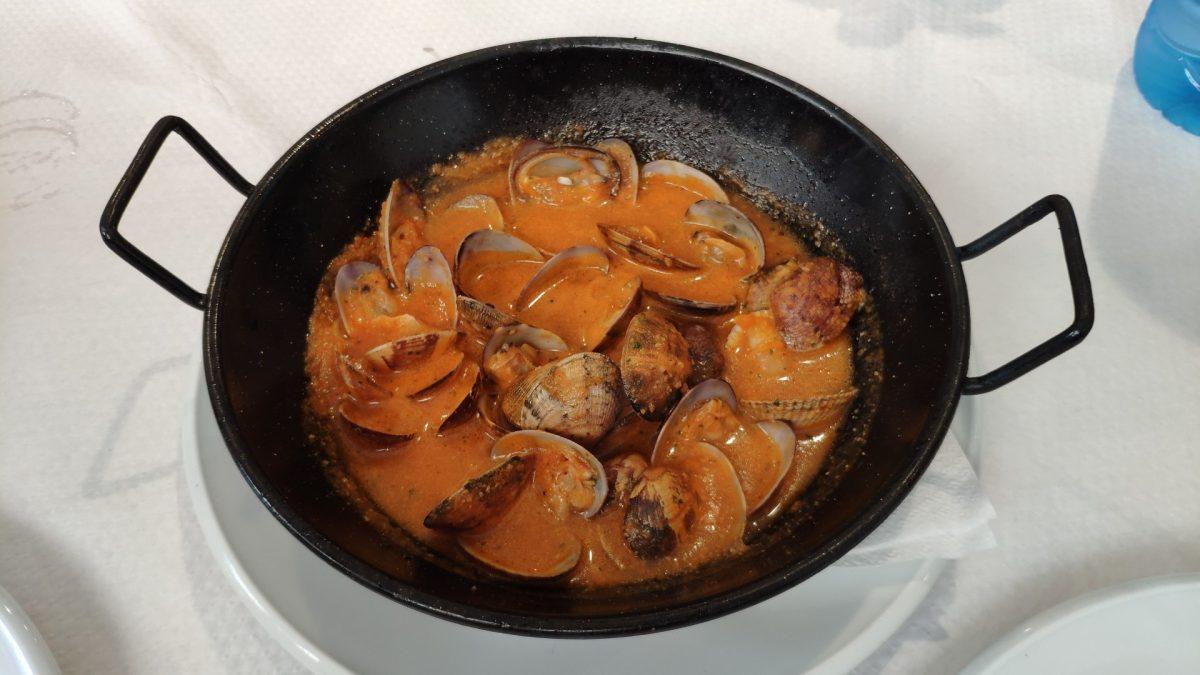 Almejas a la marinera en el Restaurant León de Llafranc
