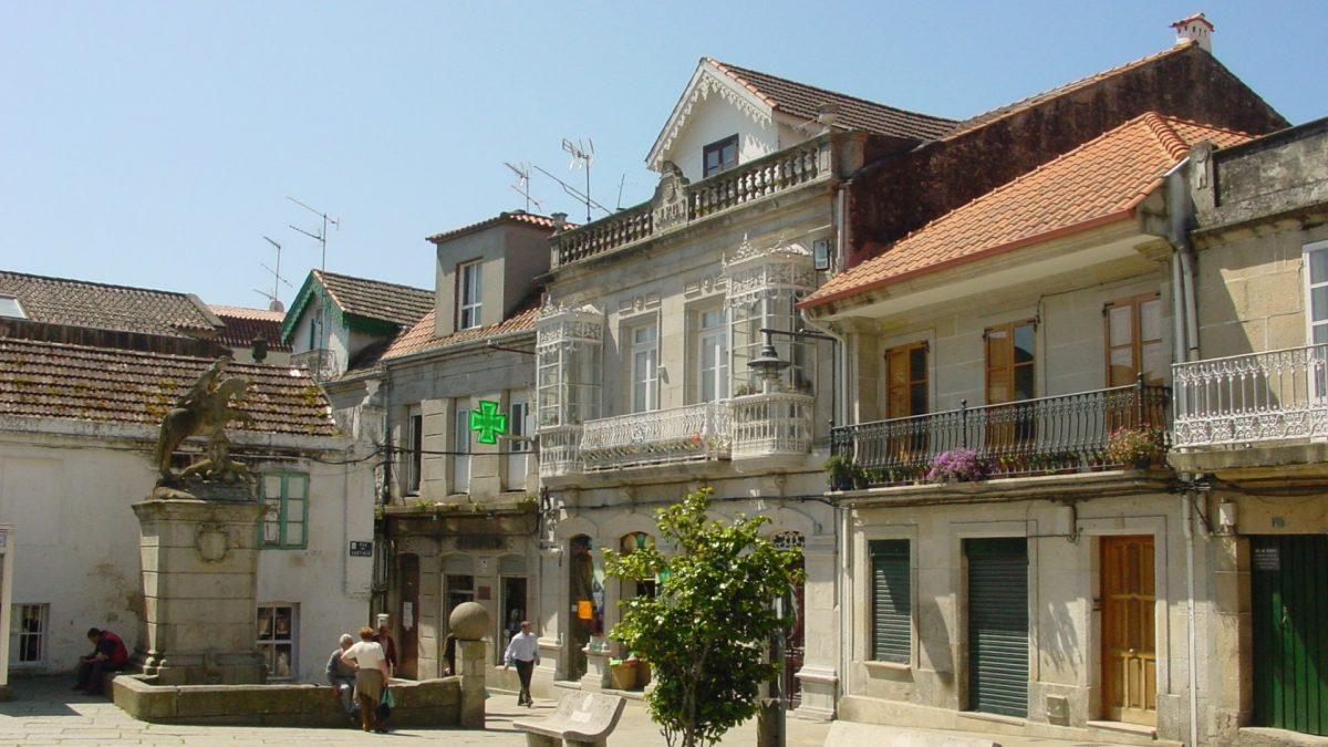 El centro histórico es uno de los imprescindibles que ver en Cangas