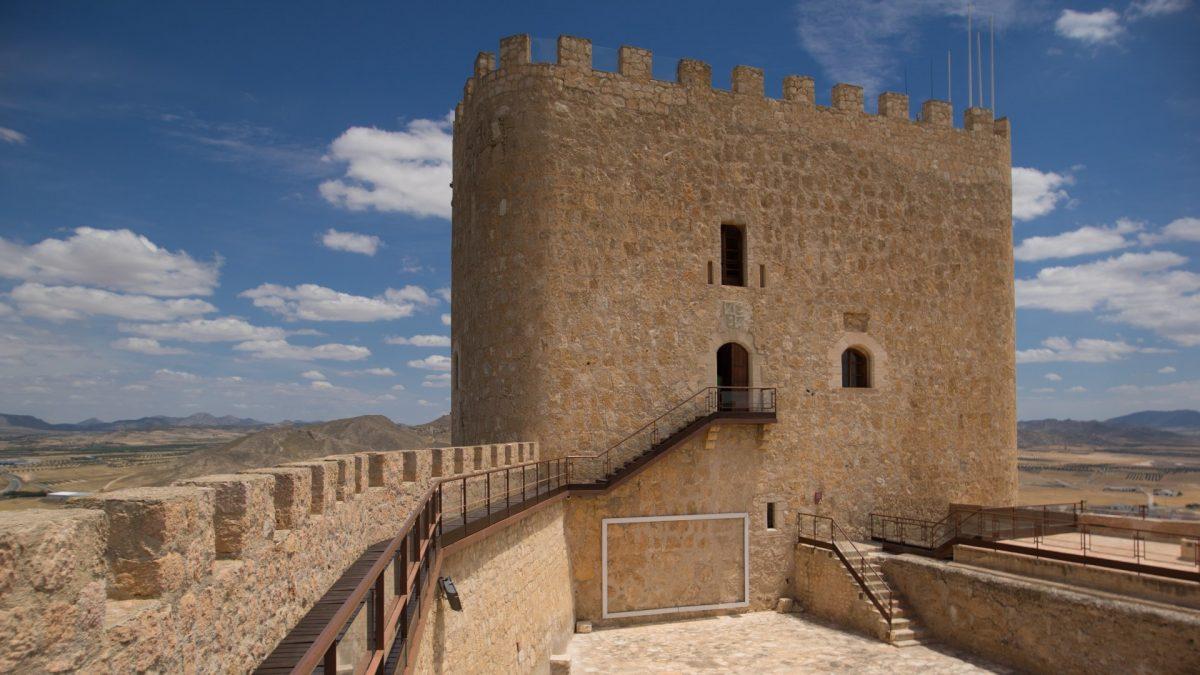 El Castillo de Jumilla es uno de los imprescindibles que ver en Jumilla.
