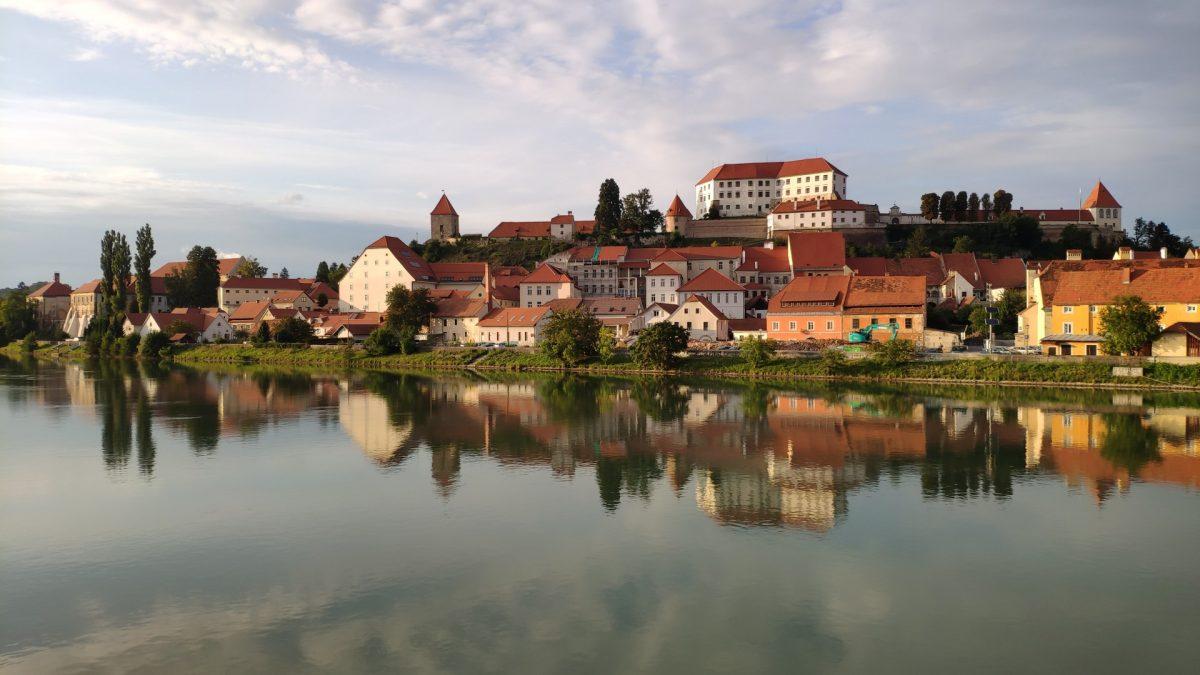 Vistas del Castillo y el pueblo de Ptuj