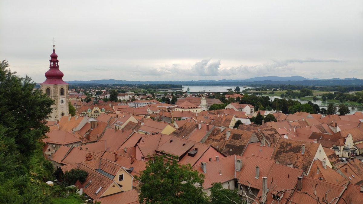 Vistas sobre Ptuj desde el Castillo